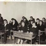 Випуск 1965, 8 А клас през 1961 с класната си г-жа Балтова