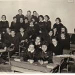Випуск 1966, подготвителен Е клас през 1961/1962 учебна година с г-жа Нина Пеевска