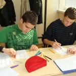 Ноември, работа по двама в 9 клас по проекта за коледни и новогодишни пожелания