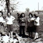 Випуск 1967, учителките Здравка Донева, Славка Цанкова, Хелга Гунева, д-р Ганка Топчийска и Гиргина Тончева  на бригада (отляво надясно)