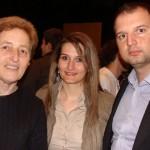 Мартина Ангелова от випуск 1997 и Благовест Михайлов от випуск 1995 с г-жа Цонева