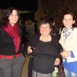 Ученички от випуск 2001 с г-жа Драганчева